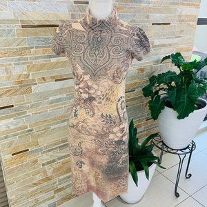 CHESLEY TATTOO STYLE DRESS KEYHOLE FEATURE SIZE M